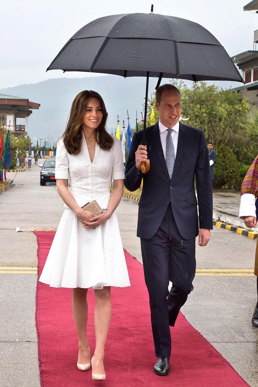 Công nương Kate chi hơn 1 tỉ VNĐ cho 17 bộ đồ trong tuần công du - Ảnh 23.