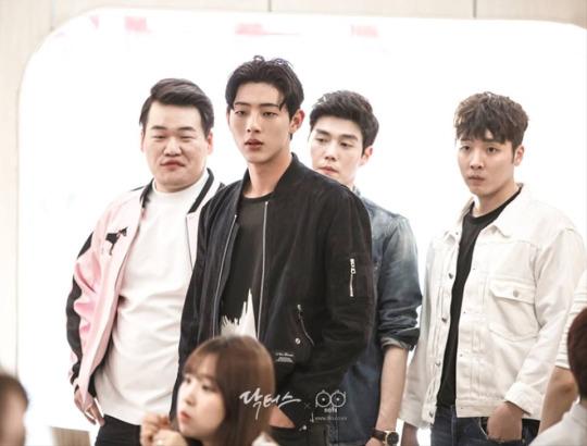 """Kim Ji Soo: Chàng trai có phận đời """"lên voi xuống chó"""" nhất phim """"Doctors"""" - Ảnh 5."""