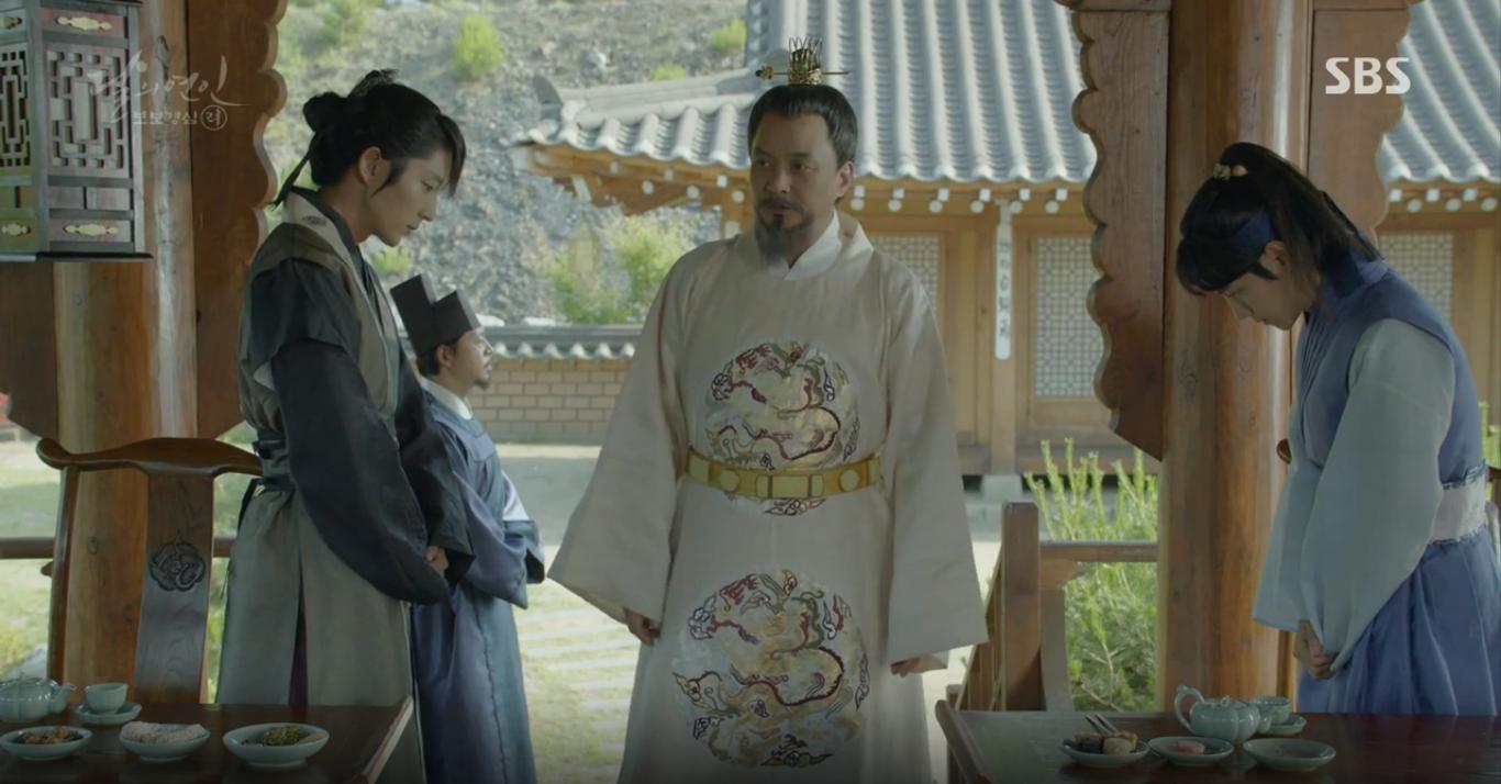 Moon Lovers: Hoàng tử Baekhyun sống chết đòi tự tử để không phải thành thân - Ảnh 18.