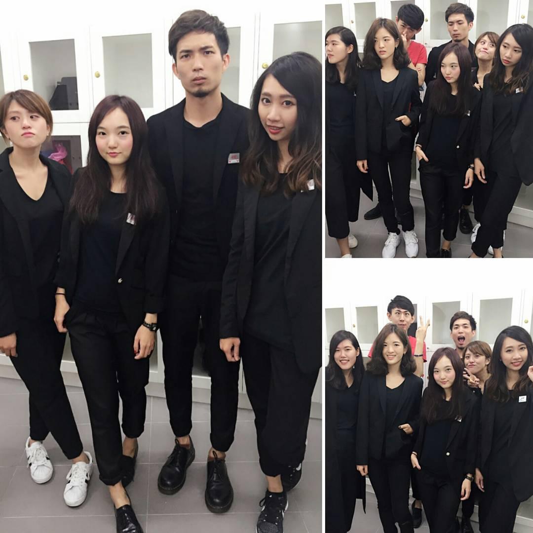Đồng phục nhân viên Zara Việt Nam mới mẻ hơn hẳn so với mẫu đồng phục đen trên toàn thế giới - Ảnh 8.