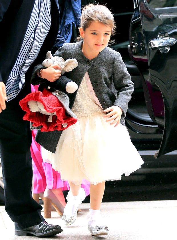 Không phải ngôi sao nào mà cô con gái 4 tuổi của Beyoncé mới là người diện bộ đồ đắt nhất đến VMAs - Ảnh 9.