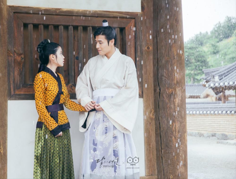 Moon Lovers: Tứ ca Wang So và Bát ca Wang Wook, tình nào là đáng đáp đền? - Ảnh 2.
