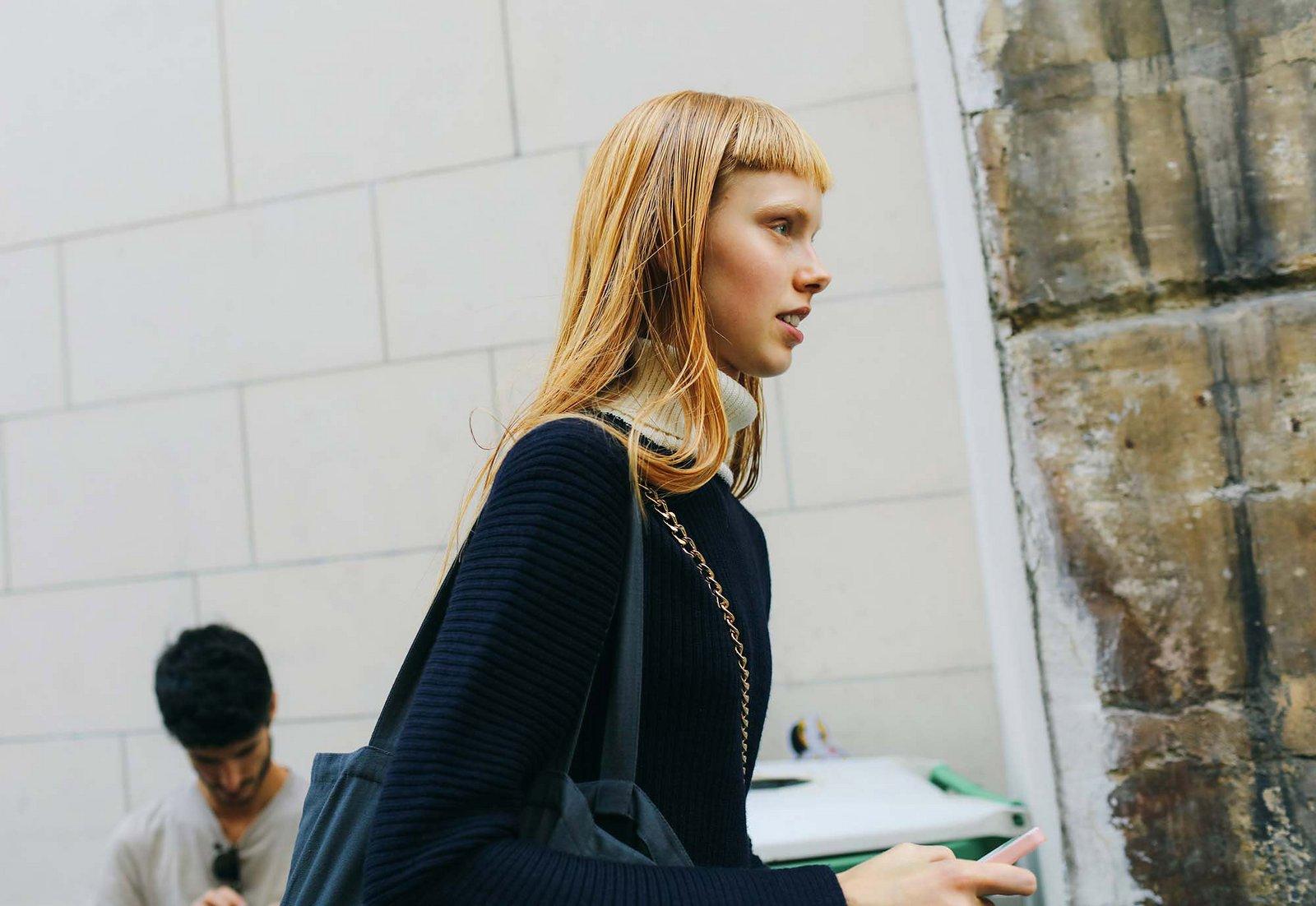 Fashionista thế giới náo loạn vì tóc nhuộm neon cùng mái siêu ngắn chẳng giống ai - Ảnh 9.