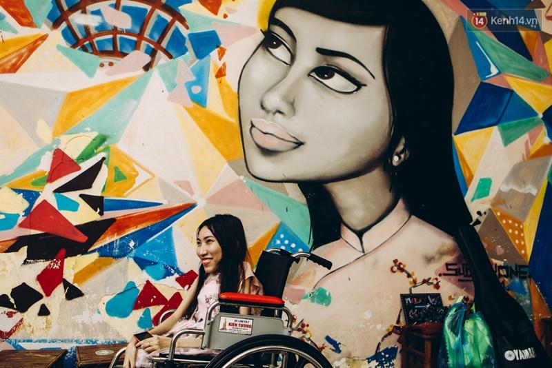 Chùm ảnh xúc động về nét đẹp của những người phụ nữ khuyết tật trên sàn diễn thời trang ở Sài Gòn - Ảnh 15.