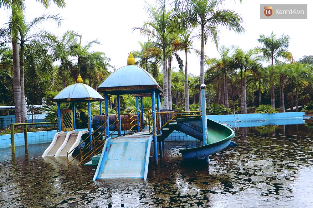 Cận cảnh những đống tàn tích đáng sợ bên trong công viên nước bị bỏ hoang ở Huế - Ảnh 14.
