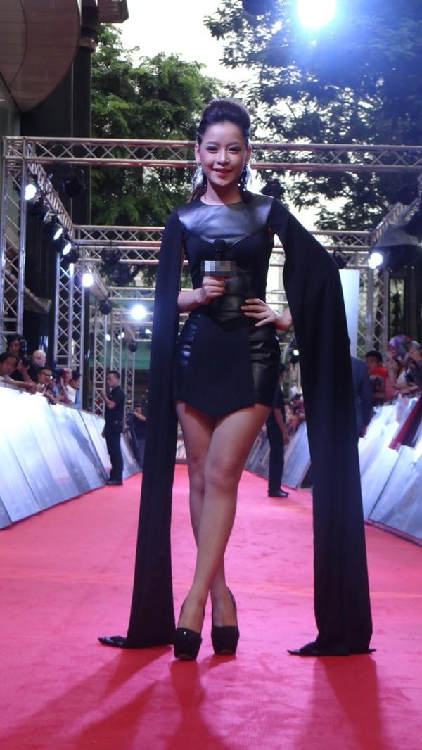 Chi Pu trên thảm đỏ Asia Artist Awards: Thật may mắn vì lần này Chi mặc đẹp! - Ảnh 7.