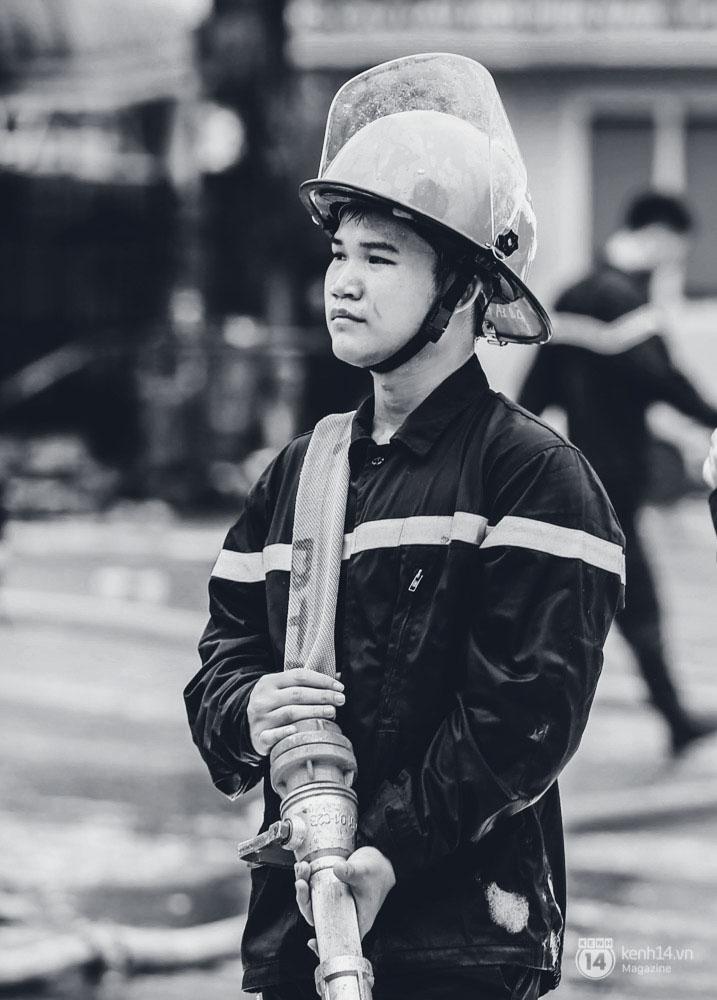 Chuyện về những người lính cứu hỏa không sợ chết, chỉ sợ không cứu được người - Ảnh 4.