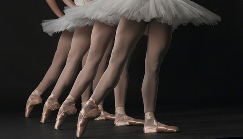 Vũ công ballet, thiên nga mang đôi bàn chân của quỷ dữ - Ảnh 2.