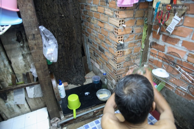 Lạ kỳ hàng cây cổ thụ trăm tuổi mọc xuyên nhà dân ngay trung tâm Sài Gòn - Ảnh 6.