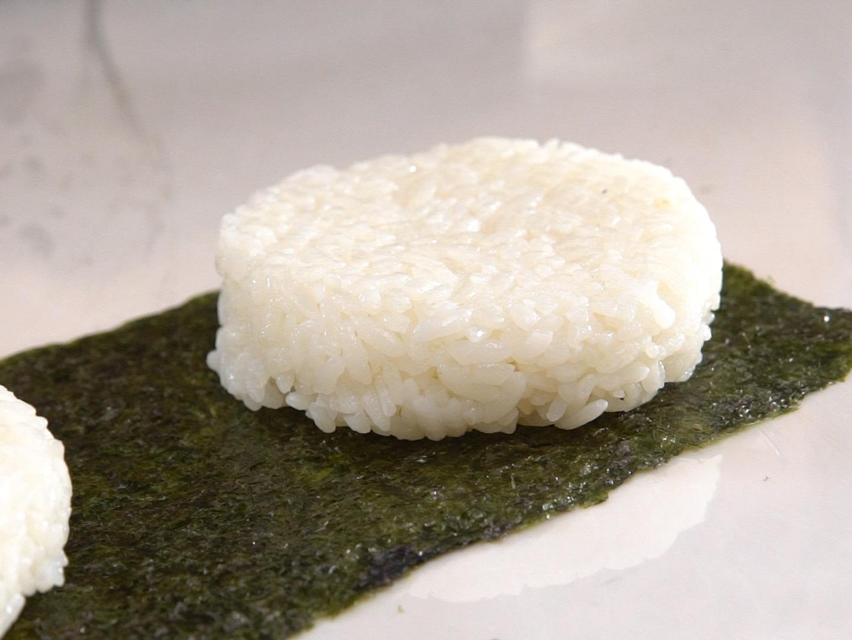 Hamburger kết hợp với sushi ra bữa trưa kiểu Nhật ngon miệng đẹp mắt - Ảnh 6.