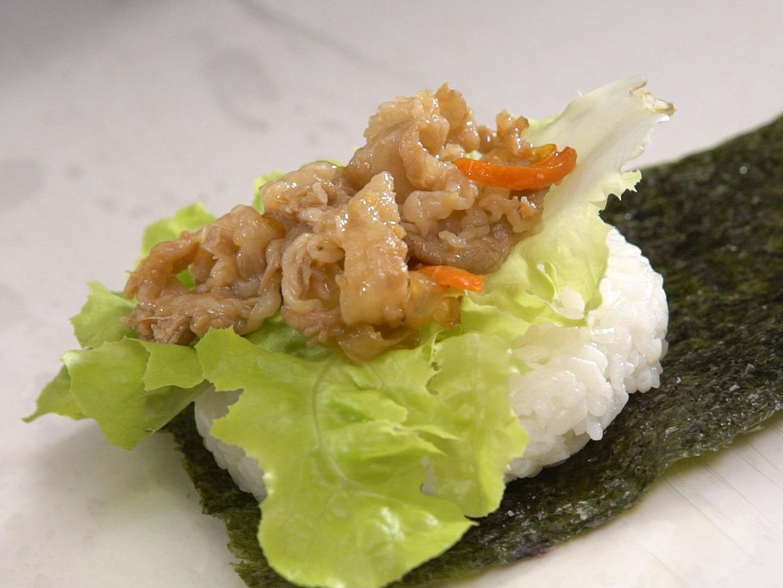 Hamburger kết hợp với sushi ra bữa trưa kiểu Nhật ngon miệng đẹp mắt - Ảnh 7.
