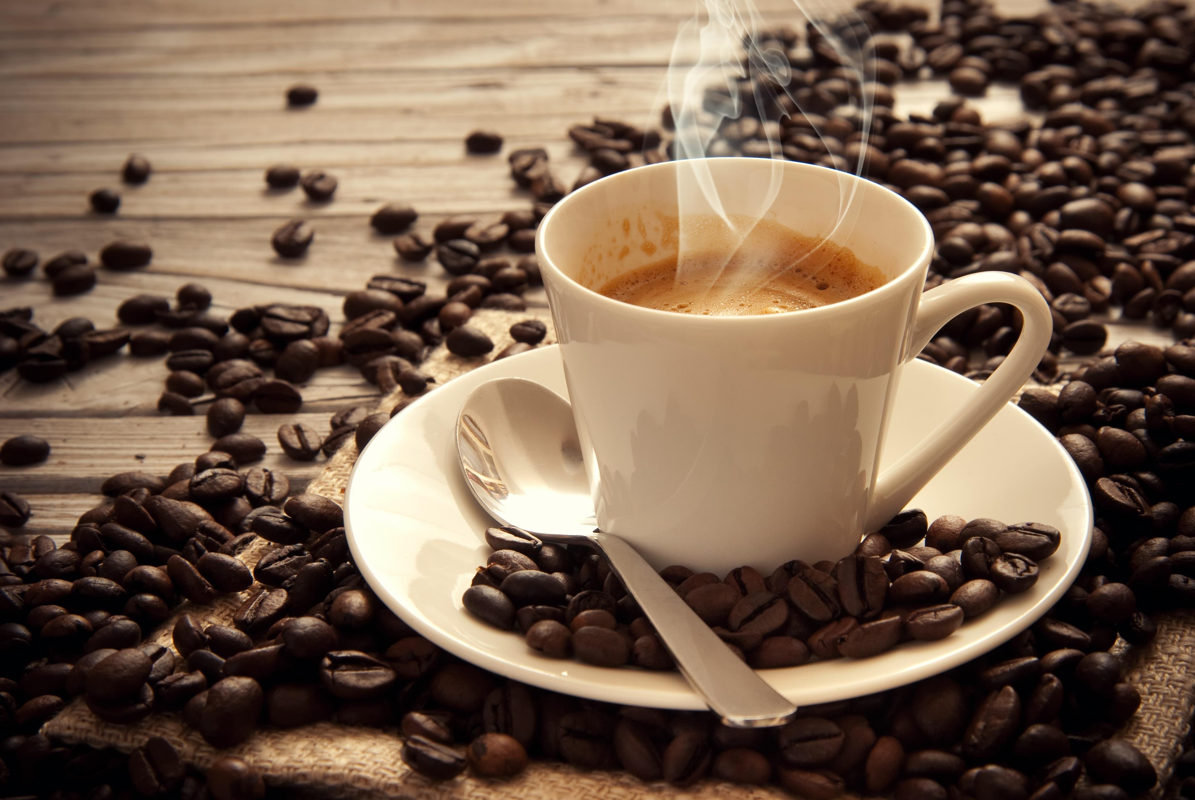 Cafe có thể khiến cơ thể mất nước, điều này không tốt đối với bệnh nhân rối loạn tiền đình