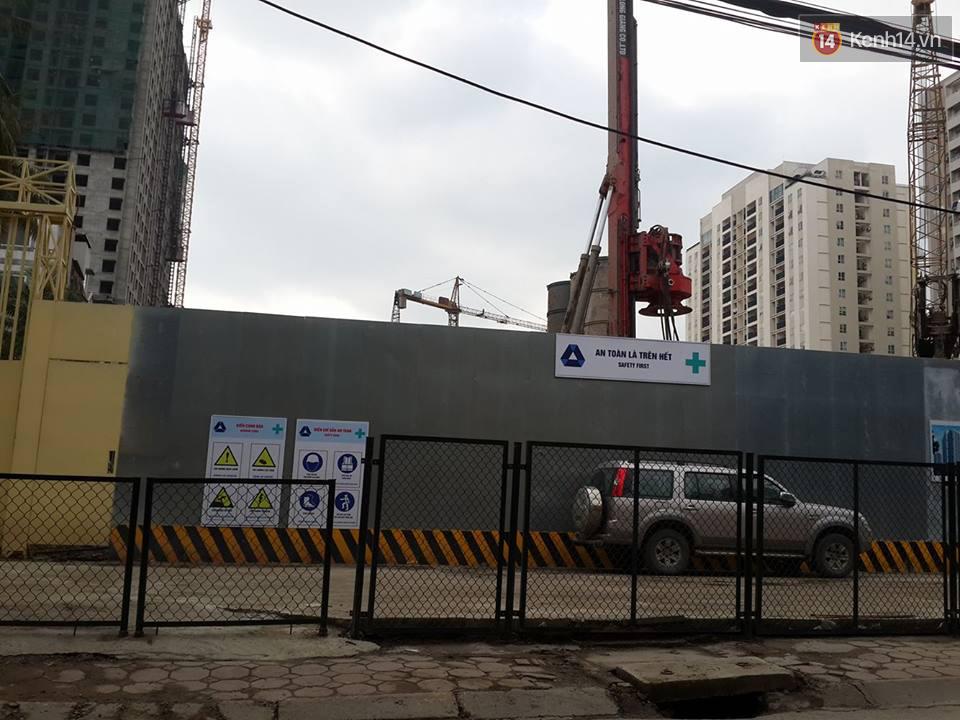 Hà Nội: Sập giàn giáo tòa nhà cao tầng, nhiều công nhân bị thương - Ảnh 3.