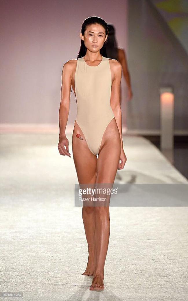 Bỏng mắt xem gái Việt phô diễn body trong mốt áo tắm khoét hông cao - Ảnh 6.