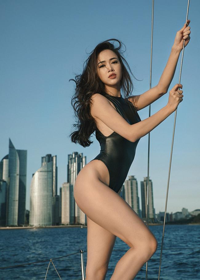 Bỏng mắt xem gái Việt phô diễn body trong mốt áo tắm khoét hông cao - Ảnh 8.