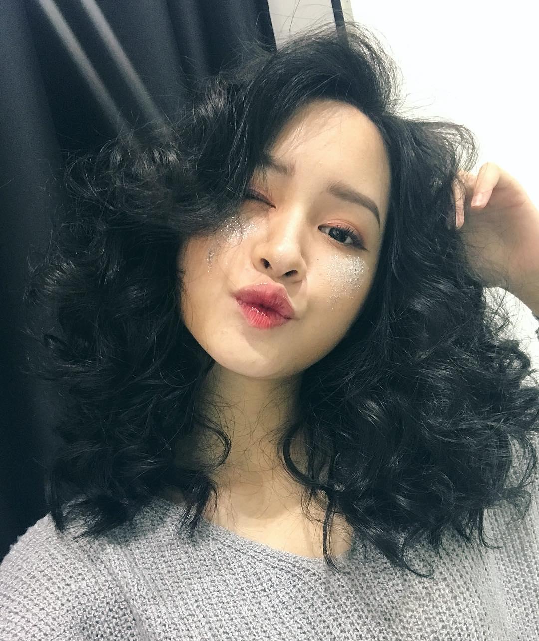 Lục Instagram của loạt hot girl Việt tìm ra 5 màu son hot phá đảo thời gian này - Ảnh 14.
