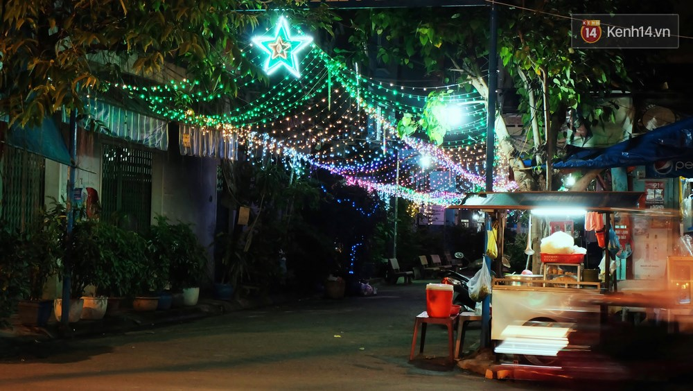 Người Sài Gòn đã tự tay trang trí Giáng sinh cho con hẻm của mình theo cách lãng mạn như thế - Ảnh 19.