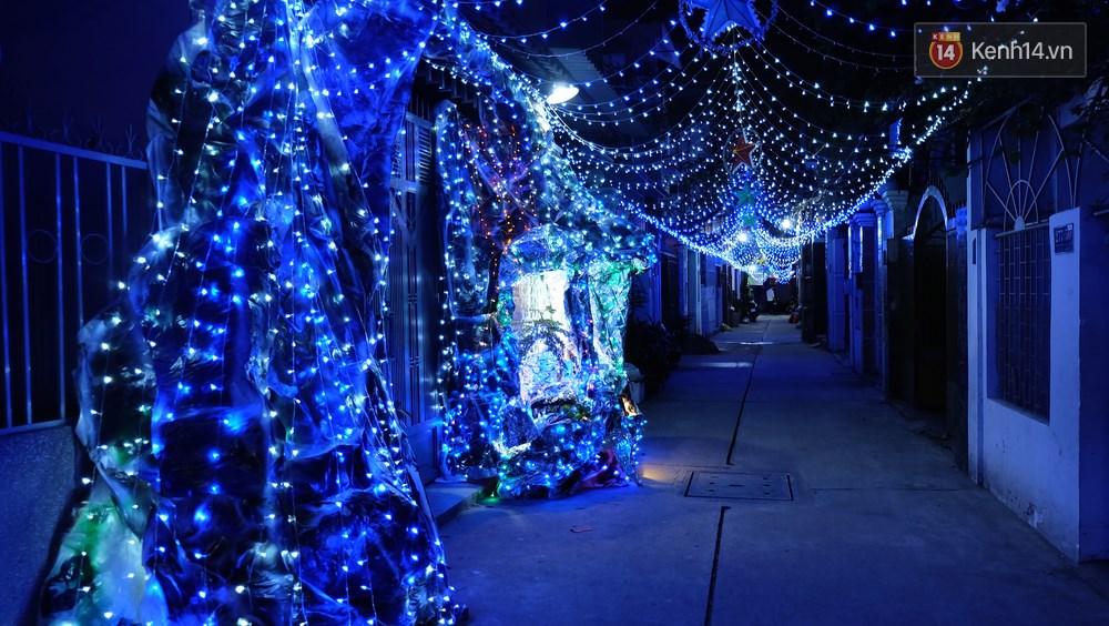 Người Sài Gòn đã tự tay trang trí Giáng sinh cho con hẻm của mình theo cách lãng mạn như thế - Ảnh 5.