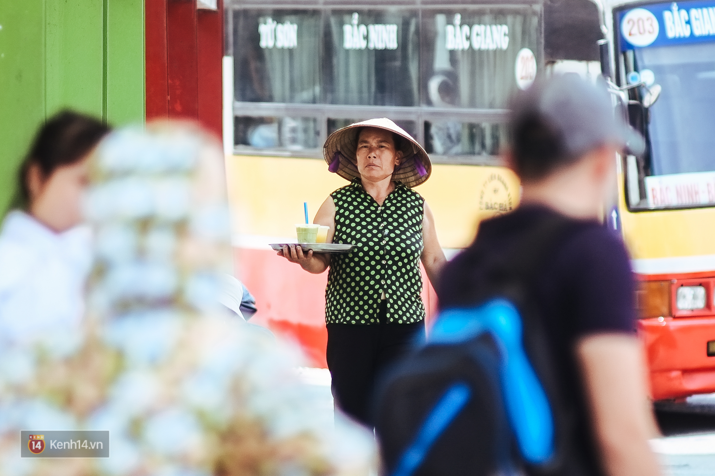 Nghìn lẻ một cách người lao động Hà Nội đối phó với mùa nắng nóng kinh hoàng - Ảnh 6.