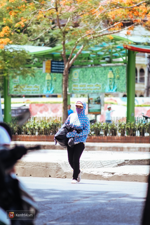 Nghìn lẻ một cách người lao động Hà Nội đối phó với mùa nắng nóng kinh hoàng - Ảnh 15.