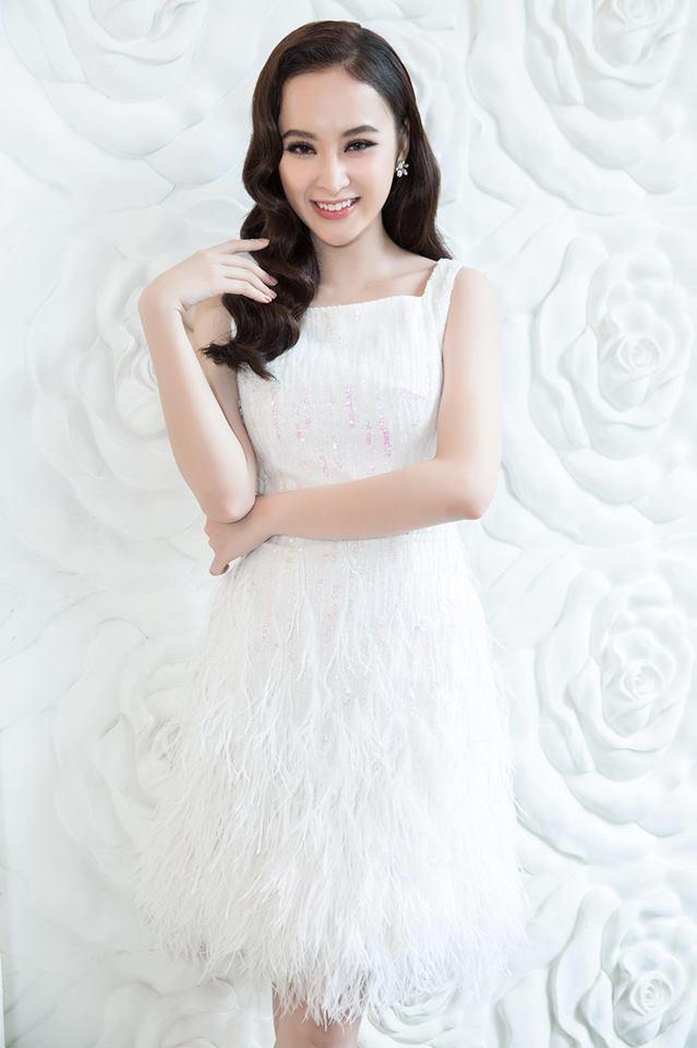 Cùng kiểu đầm thiên nga trắng: Angela Phương Trinh và 3 nàng Hậu, ai mặc đẹp nhất? - Ảnh 4.