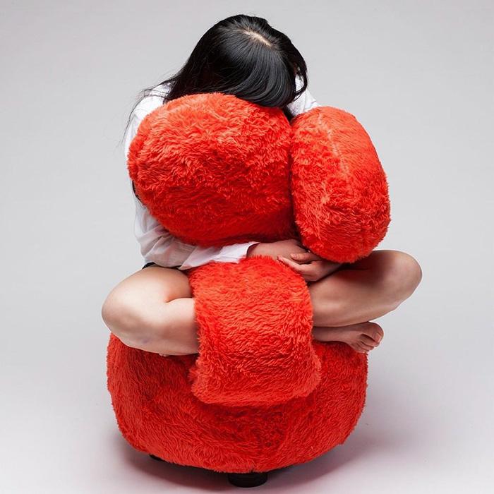 Ghế ôm dành cho những người cô đơn dự đoán sẽ gây sốt trong thời gian tới - Ảnh 4.