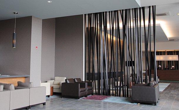 Muốn làm mới không gian nhà bạn, hãy thử trang trí bằng bình phong gỗ - Ảnh 10.