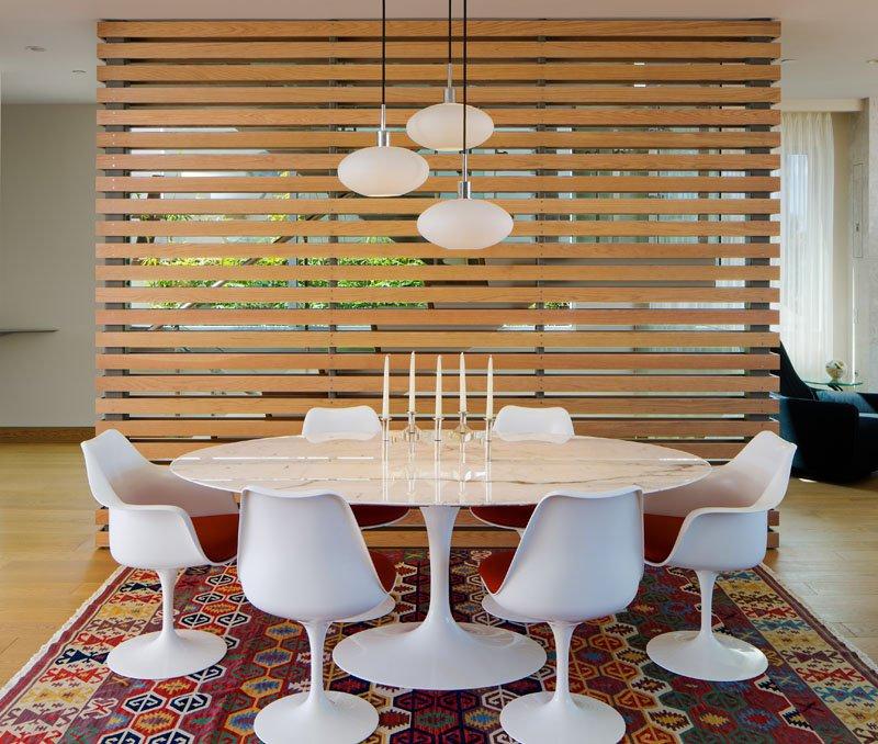 Muốn làm mới không gian nhà bạn, hãy thử trang trí bằng bình phong gỗ - Ảnh 13.