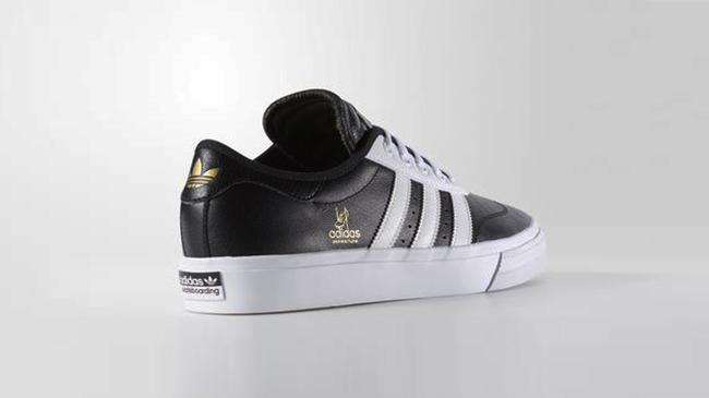 Bộ sưu tập sneaker đen huyền bí dành cho các boy - Ảnh 9.