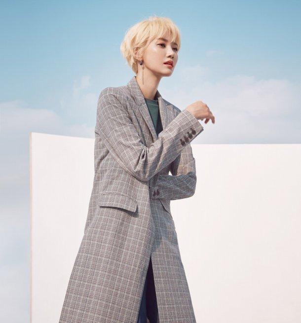 Suzy & Go Jun Hee - Những nữ thần thời trang của mùa thu này - Ảnh 8.