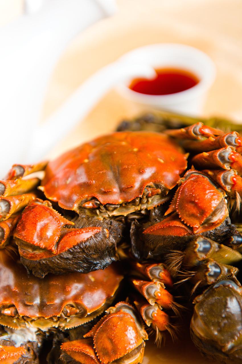Nghệ thuật ăn cua tỉ mẩn: ăn xong xếp lại y như ban đầu của quý tộc Thượng Hải - Ảnh 1.