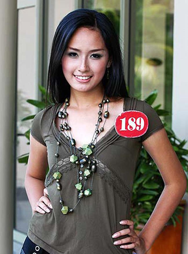 Khác biệt lớn giữa style make up ngoài đời với trên sân khấu đăng quang của các Hoa Hậu Việt Nam - Ảnh 2.