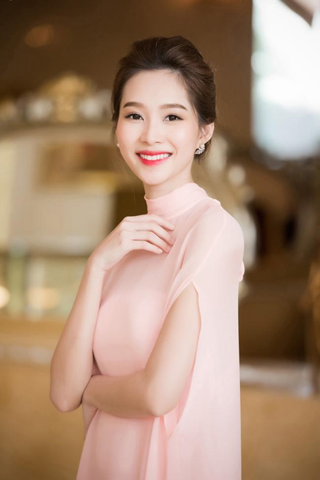 Khác biệt lớn giữa style make up ngoài đời với trên sân khấu đăng quang của các Hoa Hậu Việt Nam - Ảnh 15.