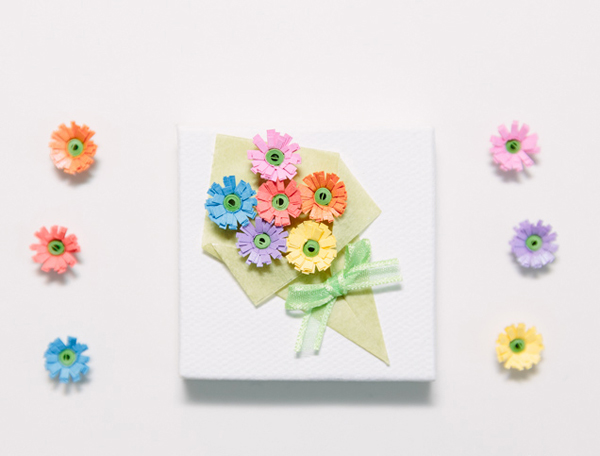 Nhặt nhạnh giấy màu làm bó hoa trang trí hộp quà siêu lãng mạn - Ảnh 10.