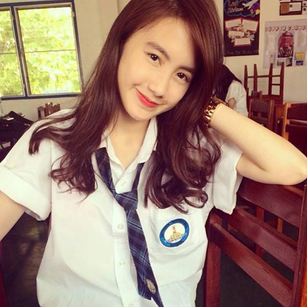 Vừa giàu, vừa xinh, vừa giỏi: Đây chính là hot girl số 1 của Lào, và cô ấy là người gốc Việt! - Ảnh 4.