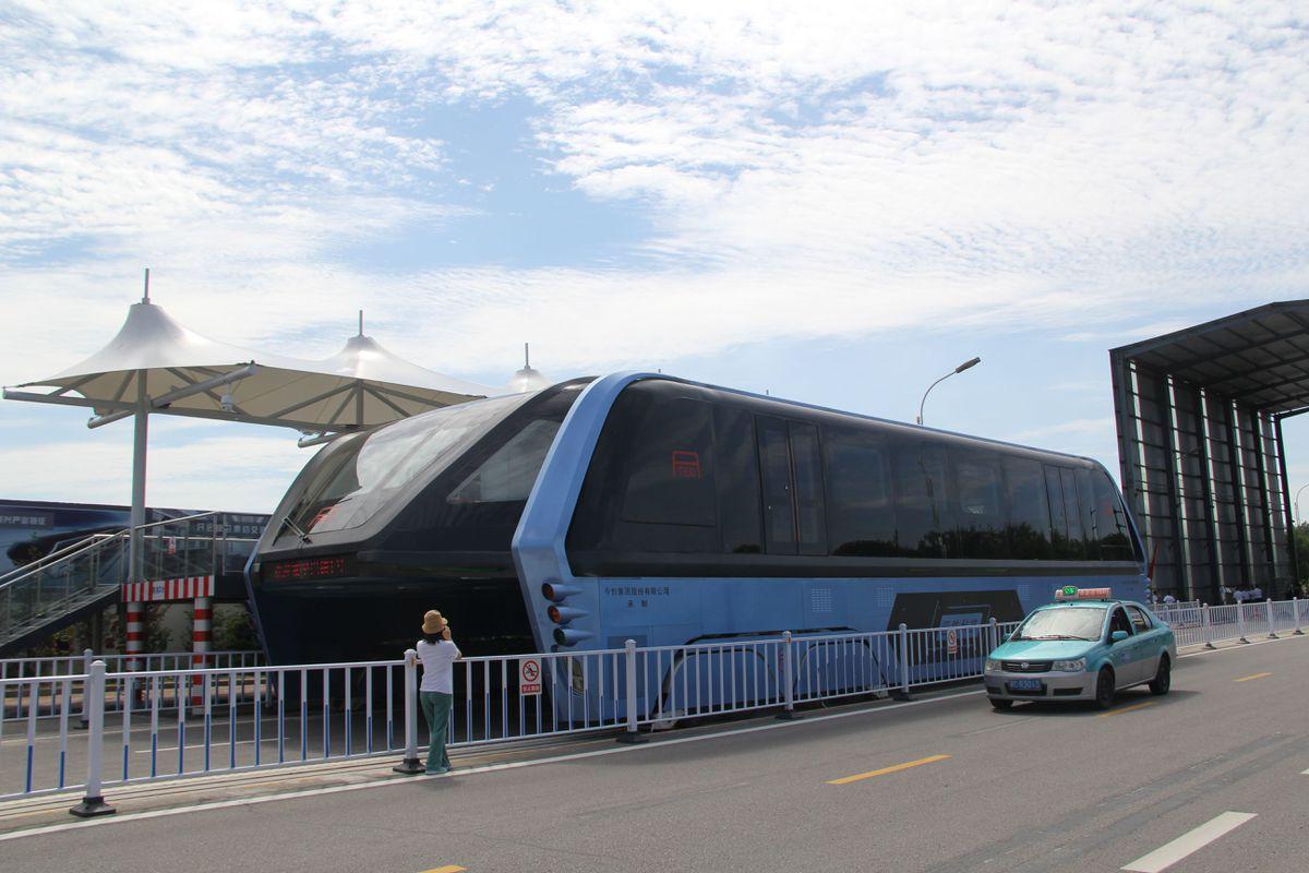 Sau thời gian gây xôn xao dư luận thế giới, xe buýt bay
