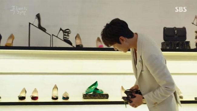 Đồ hiệu ngập mặt, Huyền thoại biển xanh lại là một show thời trang nữa của Jeon Ji Hyun - Ảnh 5.