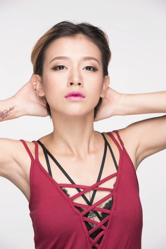 Phong cách trang điểm street style ửng sắc Ombre đánh tan giá lạnh mùa thu đông của các cô nàng siêu hot Next Gen - Ảnh 2.