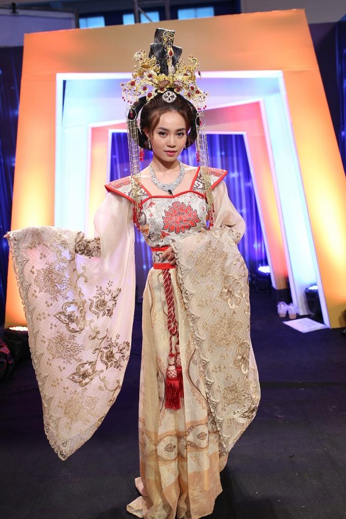 Nhã Phương có tình địch mới, Lan Ngọc đẹp sắc sảo tại Ơn giời - Ảnh 8.