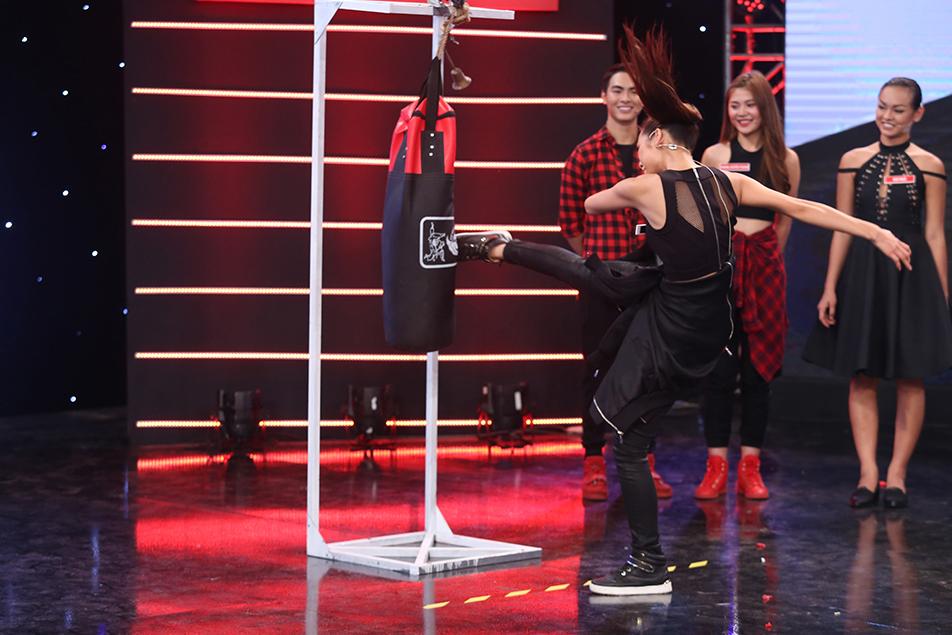 Mai Ngô lại... bĩu môi, Chúng Huyền Thanh ôm hôn bạn trai trên truyền hình - Ảnh 15.