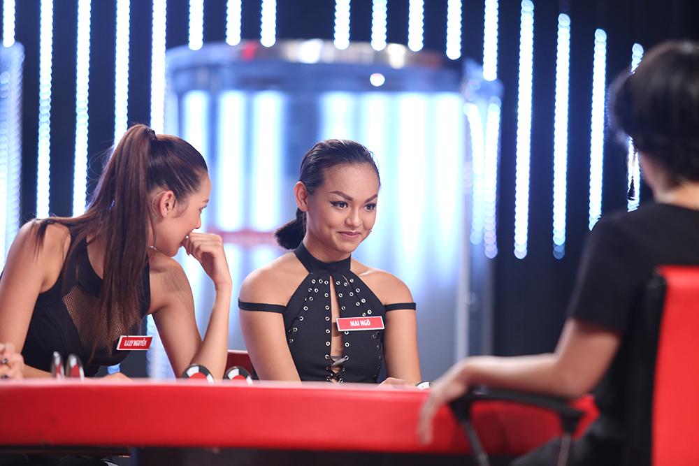 Mai Ngô lại... bĩu môi, Chúng Huyền Thanh ôm hôn bạn trai trên truyền hình - Ảnh 11.