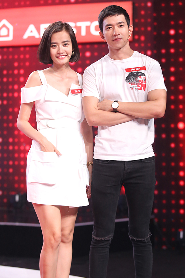 Mai Ngô lại... bĩu môi, Chúng Huyền Thanh ôm hôn bạn trai trên truyền hình - Ảnh 17.