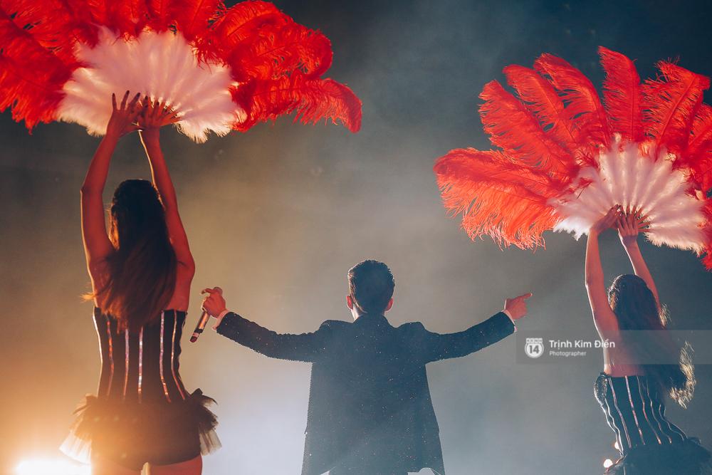 Noo Phước Thịnh khẳng định đẳng cấp với Live Concert 35.000 khán giả - Ảnh 26.