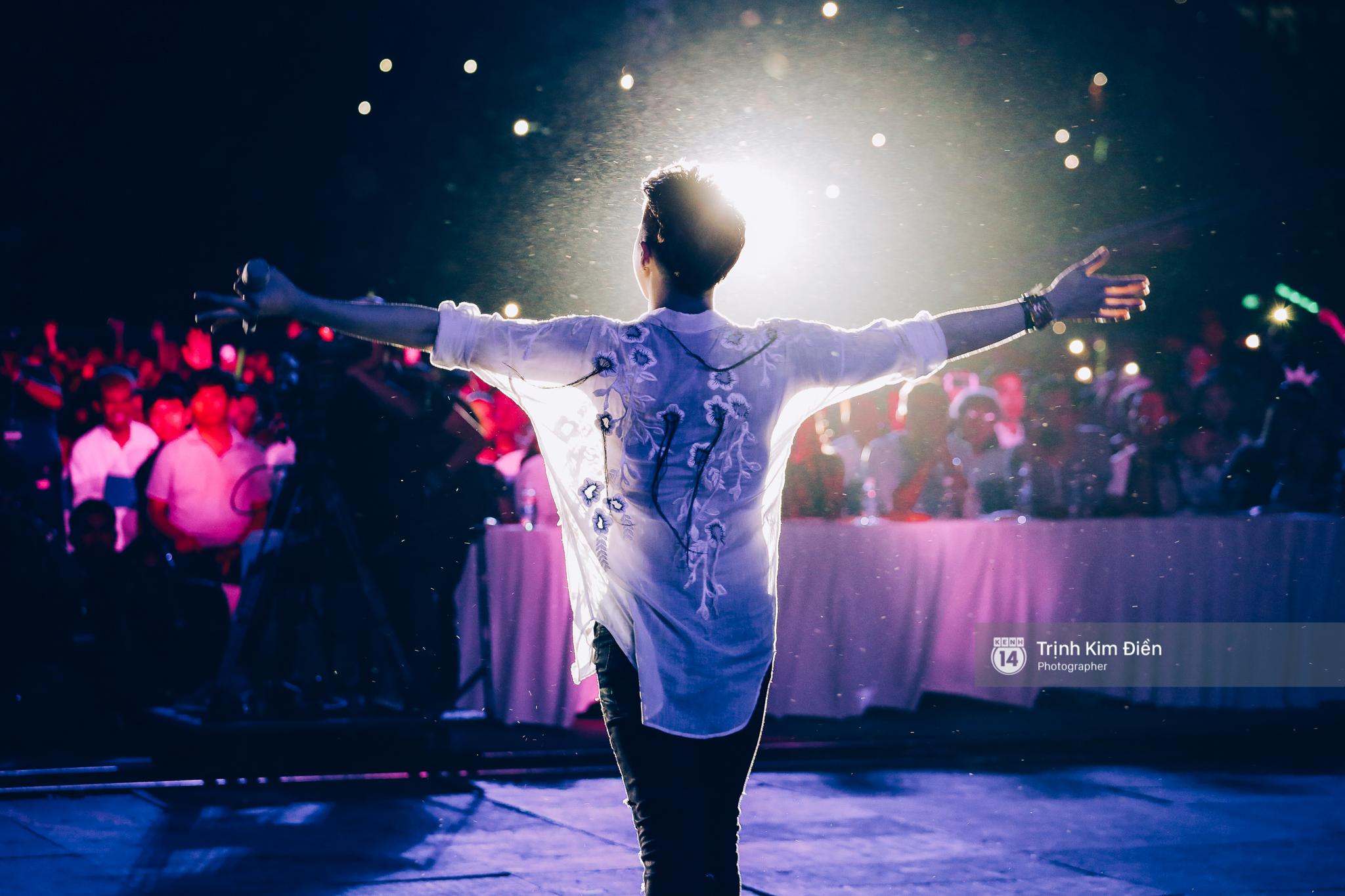 Noo Phước Thịnh khẳng định đẳng cấp với Live Concert 35.000 khán giả - Ảnh 33.