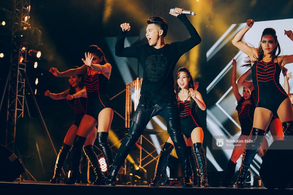 Noo Phước Thịnh khẳng định đẳng cấp với Live Concert 35.000 khán giả - Ảnh 36.