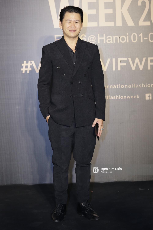 Vietnam International Fashion Week ngày cuối: Midu vẫn giữ style nữ tính trên thảm đỏ cùng dàn Hoa hậu, Á hậu - Ảnh 18.