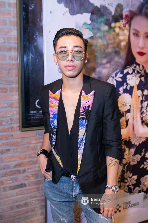 Không sexy và táo bạo, Hoàng Thùy Linh đã mang đến MV về thân phận phụ nữ ấn tượng đến thế này! - Ảnh 8.
