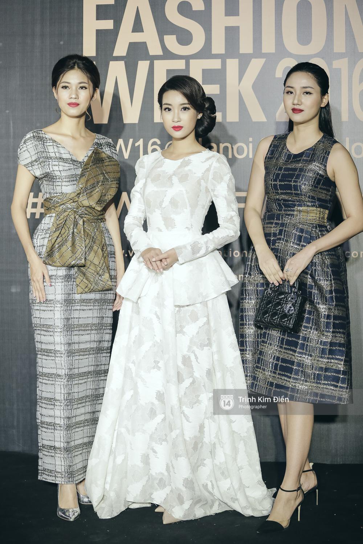 Vietnam International Fashion Week ngày cuối: Midu vẫn giữ style nữ tính trên thảm đỏ cùng dàn Hoa hậu, Á hậu - Ảnh 7.