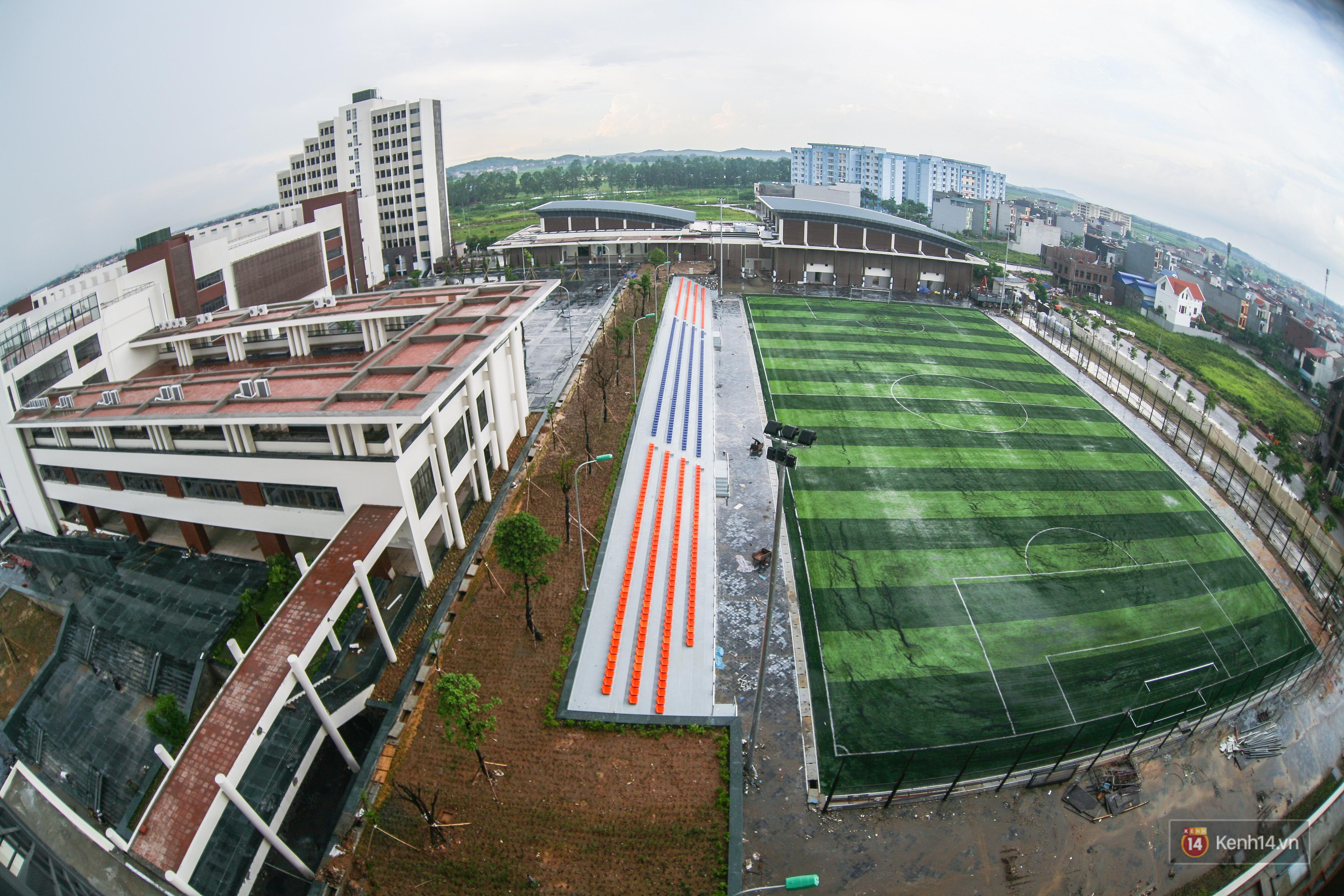 Cận cảnh ngôi trường chuyên 600 tỉ của Bắc Ninh: Đẹp, sang và Tây hết nấc! - Ảnh 3.