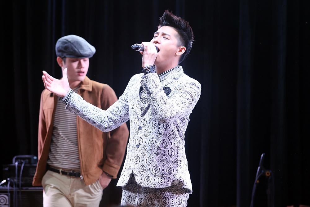 Là ca sĩ Việt đầu tiên tổ chức họp fan ở Hàn, Noo Phước Thịnh được hàng trăm khán giả vây kín ủng hộ - Ảnh 7.